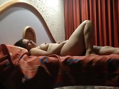 INDIAN BOSS HARDCORE FUCKED HIS HOT SECRETARY IN HOTEL